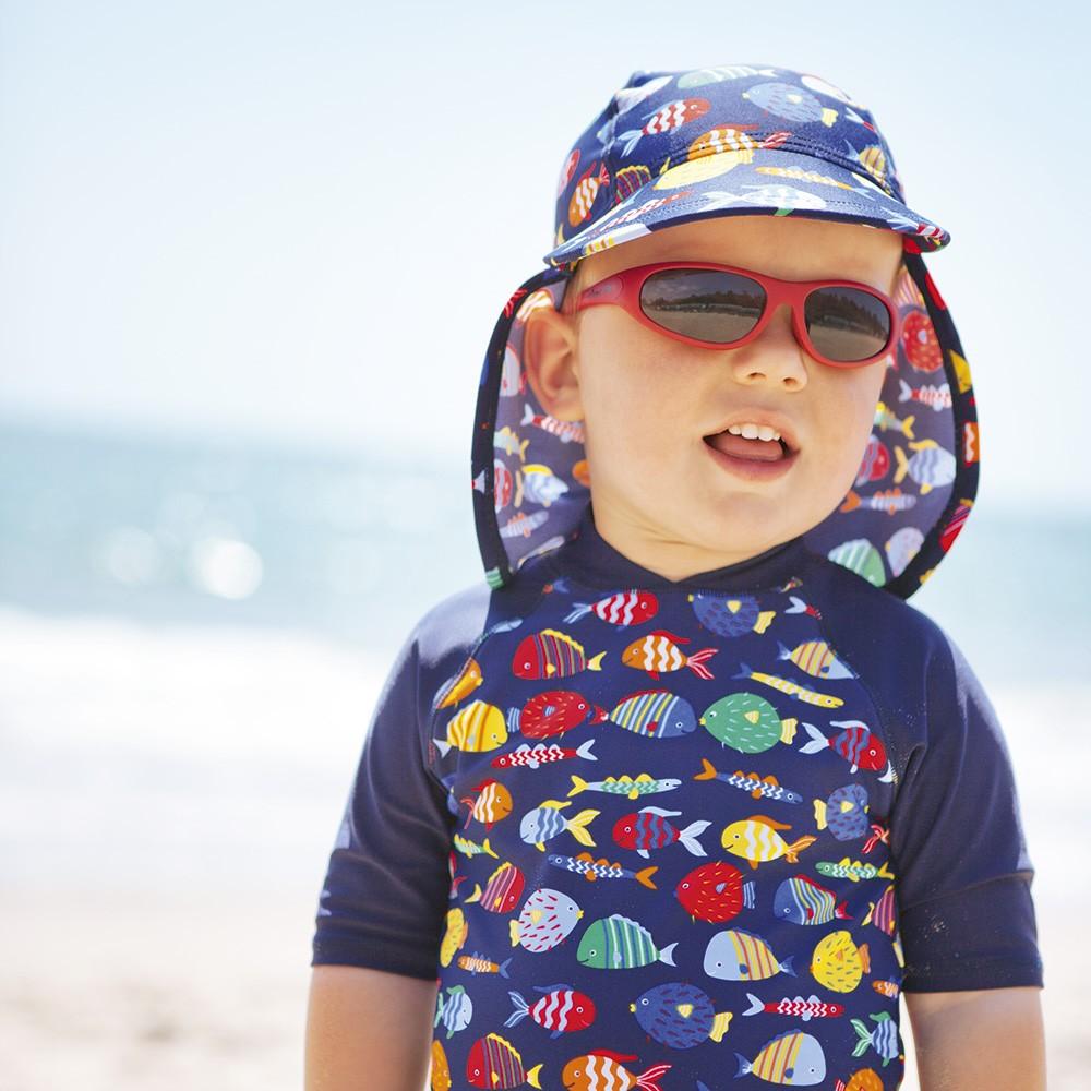 Ropa de protecci n solar para ni os y beb s for Piscina bebe con parasol