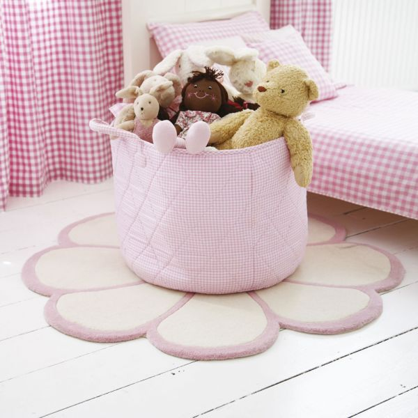 Cesta para guardar juguetes. Cuadros rosa