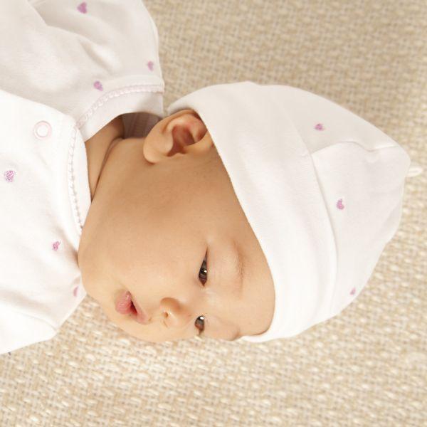 Gorrito Bebé de Algodón Corazones Rosas