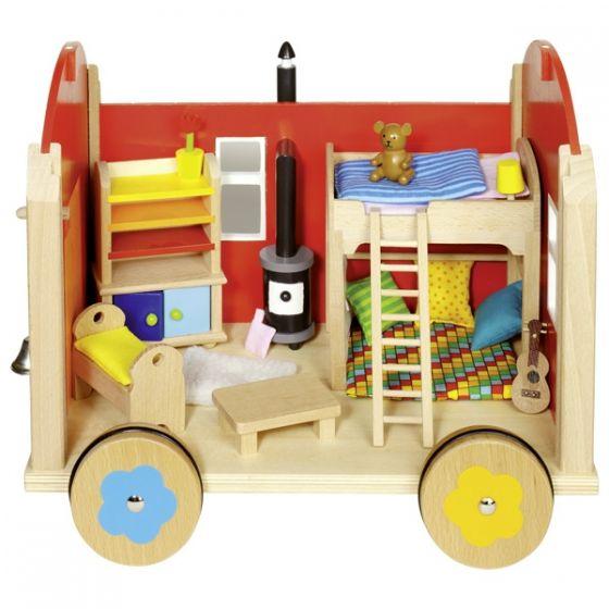 Caravana con accesorios de madera, de Goki