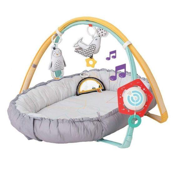 Gimnasio de actividades musical para recién nacidos