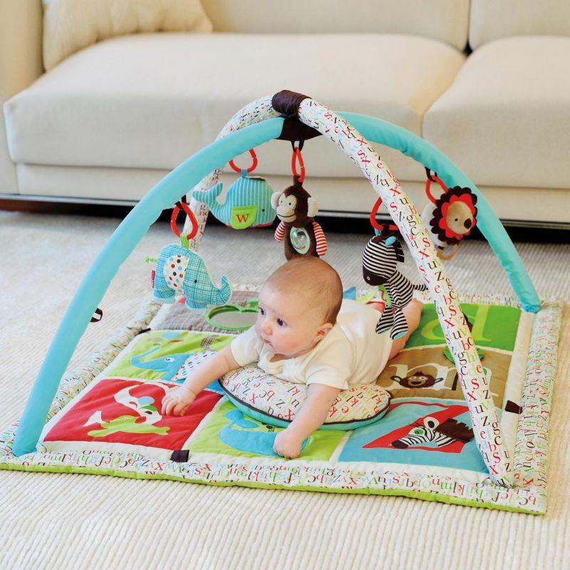 Alfombra Gimnasio para Bebés Alfabeto-Zoo Skip Hop