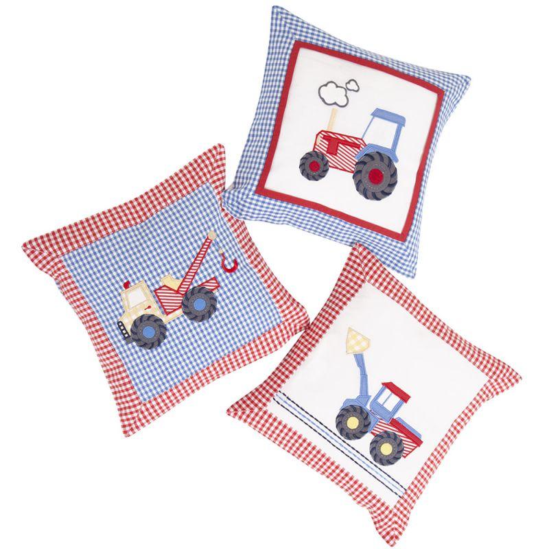 Lote de 3 Cojines Infantiles en Color Azul y Rojo con Estampado Tractores