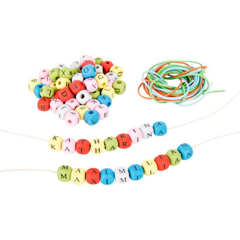 dados con letras de colores y cintas