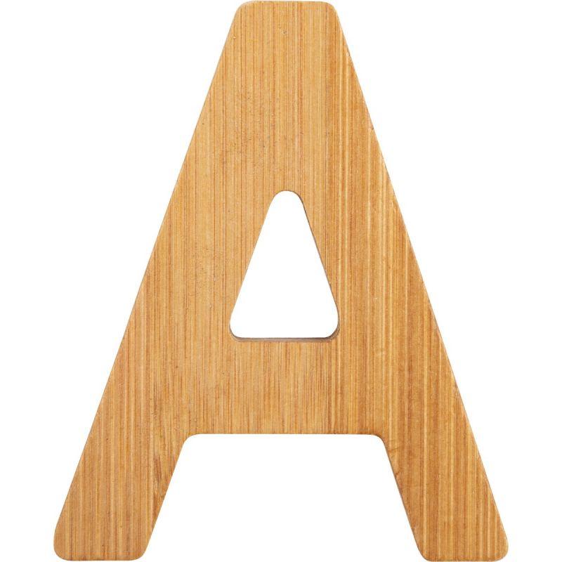 letras A de bambú decorativa