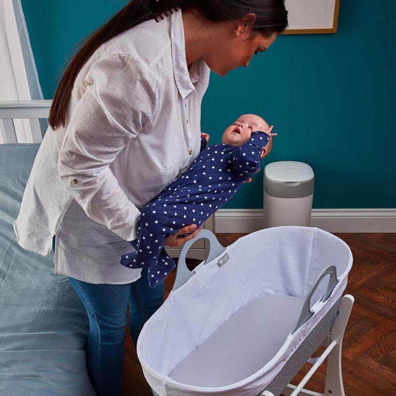 Moisés para Bebé Tommee Tippee Sleepee de color gris