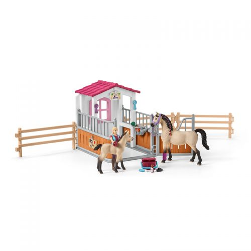 Box para caballos con árabes y moza de cuadra , Schleich