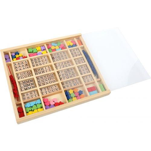 Perlas y letras de madera para hacer pulseras y collares - En caja de madera