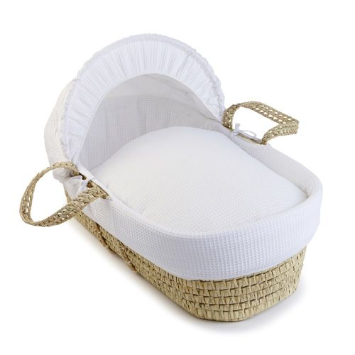 Vestiduras blancas para Moisés